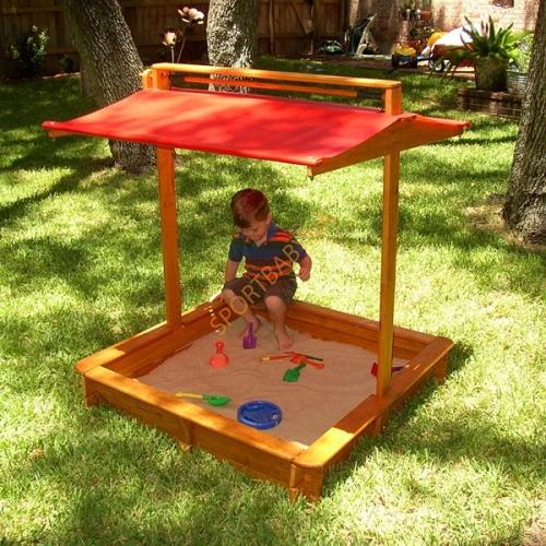 Детская песочница с крышей для дачи